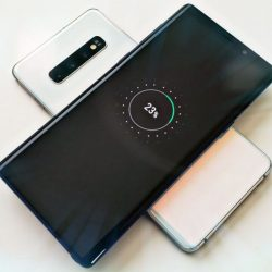 Wirelessly Charge Another Device – A Unique Samsung Galaxy S10 Feature