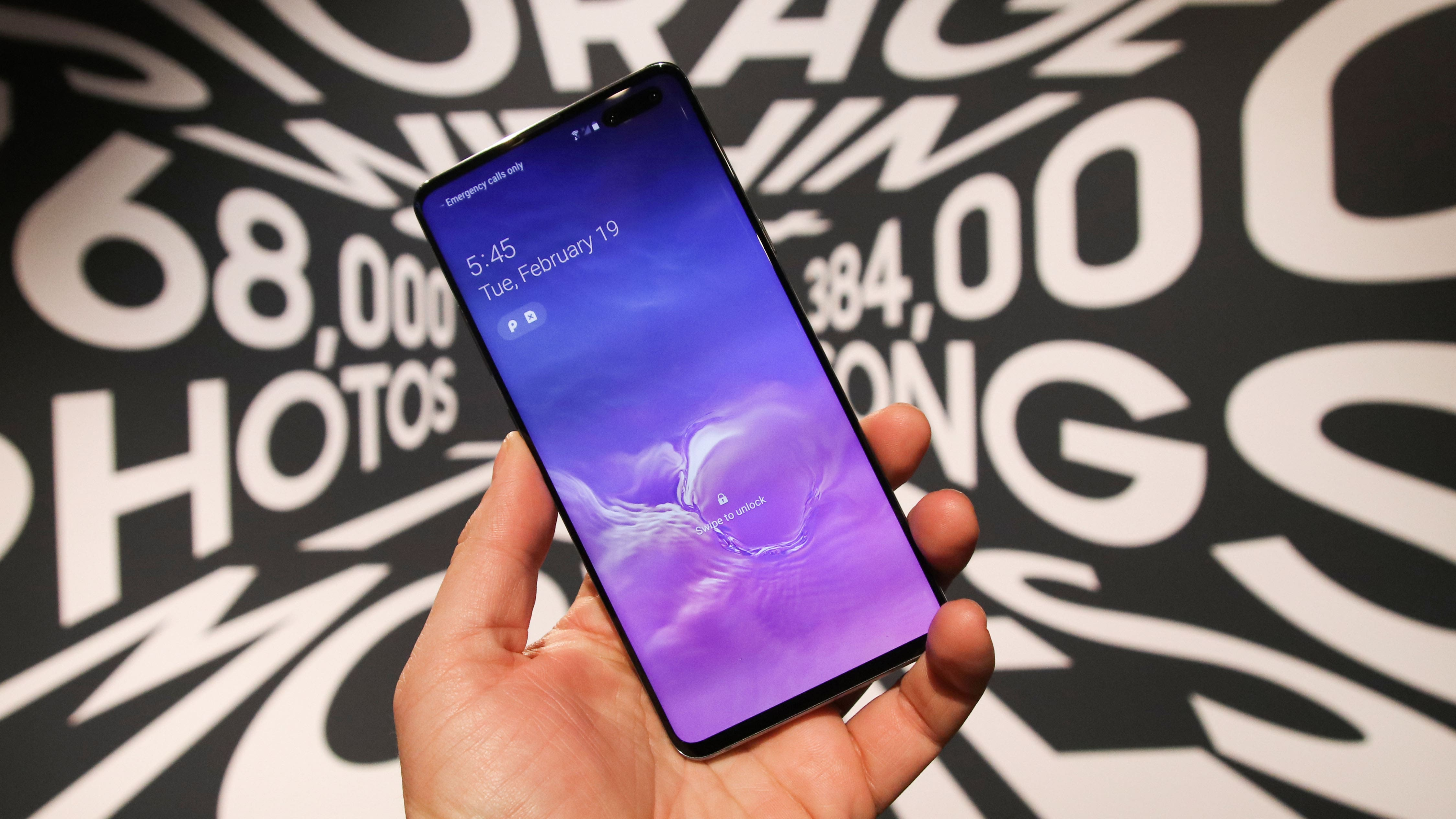 3. Samsung Galaxy S10 5G – Still One of the Best 5G Phones in 2020